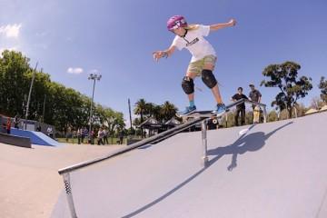 HayleyWilson_BacksideBoardslide_(PhotoCredit-AndrewMapstone)